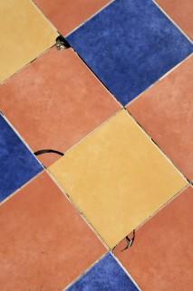 tile-floor-1082066_1920